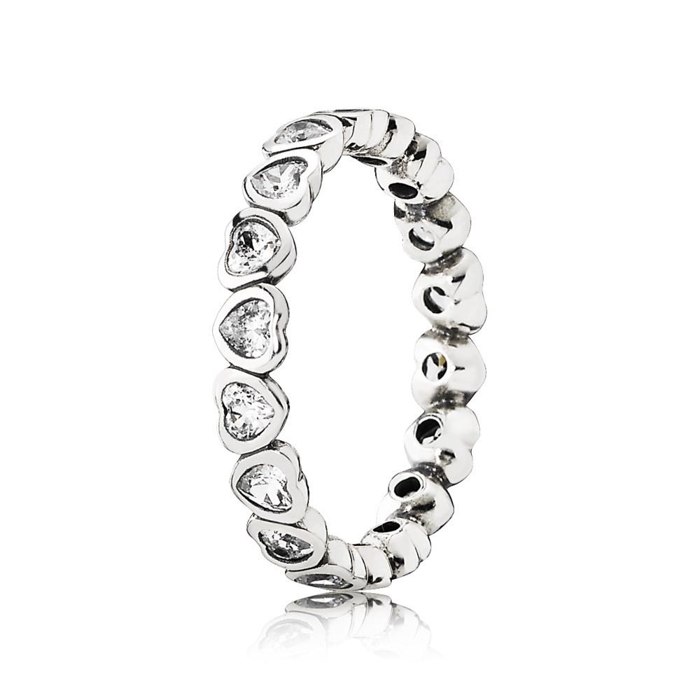 טבעת כסף לבבות עוקבים משובצת זרקונים